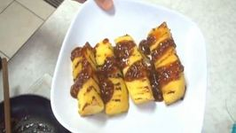 Grilled Pineapple with Hot and Sour Sauce