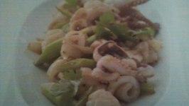 Pla Meuk Kratiem Prikthai - Stir Fry Squid with Garlic