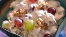 Creamy Grape And Walnut Salad