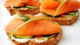 Smoked Salmon Crostini with Lemon Dill Aioli