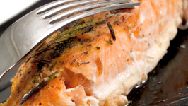 BAKED SALMON FILLETS WITH GOAT CHEESE AND CILANTRO