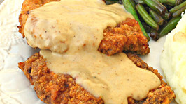 Chicken Fried Steak with White Peppered Gravy