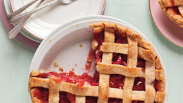 STRAWBERRY RHUBARB WITH GINGER PIE