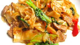 Drunkards Noodles (Gkuay Dtiow Pad Khee Mao)