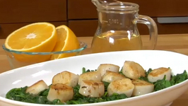 Seared Scallops over Wilted Spinach