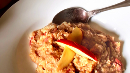 Apple Oat and Cinnamon Porridge