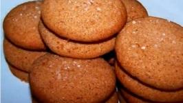 Honey Gingerbread Spice Cookies