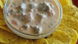 Yummy Rotel Cheese Dip  Two Ways