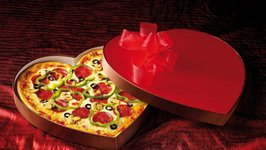 Impress You Sweetheart On Valentines Day With A Heart Shaped Pizza