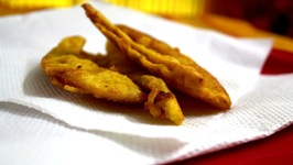 Pazham Pori (Batter Fried Plantains)
