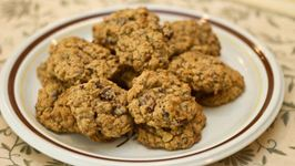 Nutty, Fruity Oatmeal and Chocolate Cookie