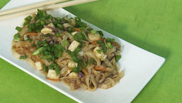 Noodles with Peanut Sauce by Tarla Dalal