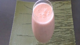 How to Make Strawberry Lassi / Summer Drink