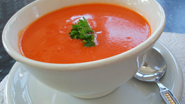Classic and Simple Tomato Soup