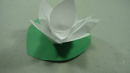 How to make a paper lotus flower video by simplekidscrafts fawesome how to make a paper lotus flower mightylinksfo