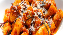 Gnocchi with Sun-dried Tomato and Almond Pesto