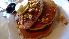 Vegan Banana Pecan Pancake