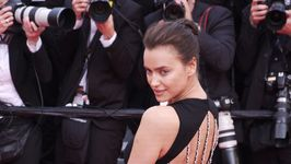 Irina Shayk leads Atelier Versace show in Paris