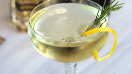 Cocktail Recipe: Fancy Prosecco Cocktail