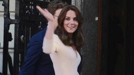 Kate Middleton Arrives At Vogue Exhibit In London