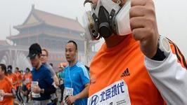 Chinas Airpocalypse Smog Pollutes Beijing Marathon