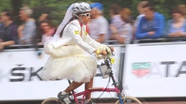 Brides And Crashes- It's The Folding Bike Championship