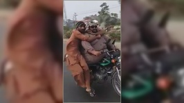 4 Men, 1 Bike- Driving In Pakistan
