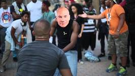 Captain Picard Breakdancing - Seems Legit