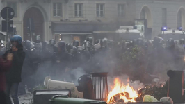 20,000 Milan Residents Pitch in after Expo Riots