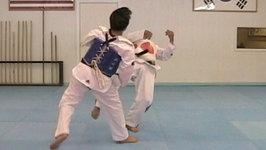 Taekwondo Reverse Hook Kick vs Skipping Round Kick (taekwonwoo)
