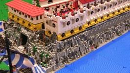 LEGO MOC - La Luna Under Siege- 1,000 Minifigures