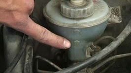 How To Top Up Your Car's Brake Fluid