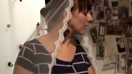 How To Look Elegant In A Lace Veil