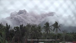 Lava rolls down slopes of Mayon volcano