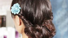 Get A Summery Braided Flower Hairstyle