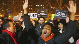 Garner Case - Clashes as Protests Continue in NYC