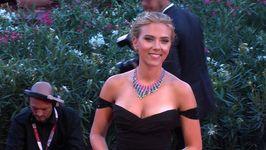 Scarlett Johansson opens gourmet popcorn shop in Paris