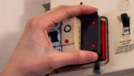 677960 how to replace a fuse in a traditional fuse box 10023999 by videojug how to fix a fuse in a circuit breaker video by videojug fawesome tv how do you replace a fuse in a fuse box at mifinder.co