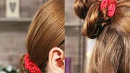 How To Wear A 90s Scrunchie