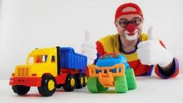 Car Clown - Toy Truck Street Fight - Videos for Kids