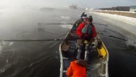 Crazy Adventure Ice Canoeing
