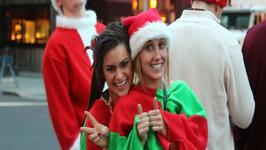 Drunk Santas Descend on New York for Annual Pub Crawl