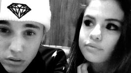 Justin Bieber, Selena Gomez Romantic Vacation Captured in Instagram Pic