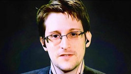 Snowden Endorses Sanders, Trolls Clinton During Democratic Debate