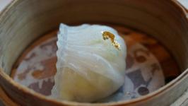 Eating Dim Sum in Hong Kong - China
