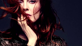 Julianne Moore does not believe in God