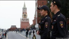 Russia gripped by hoax bomb threats, thousands evacuated!