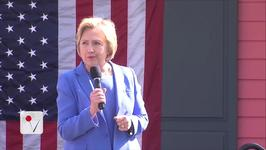 Hillary Clinton Wants to Put Bill in Charge of One Big White House Job