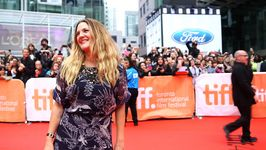 Drew Barrymore back on the dating scene for TV show
