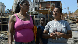 Favela Residents Feel Abandoned After Large Fire